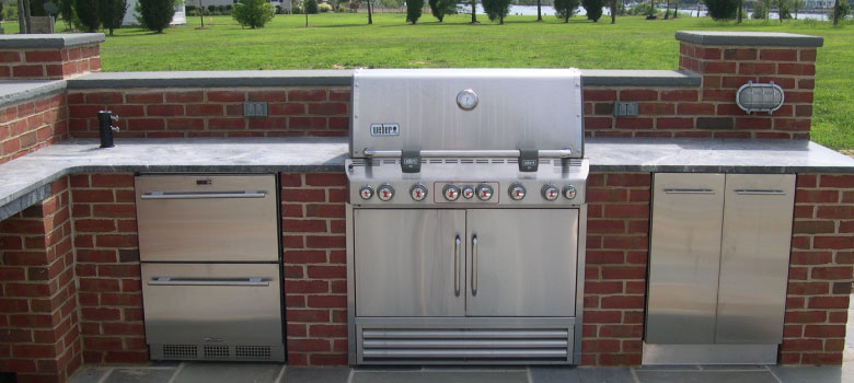Enjoy grilling all summer in the greater Salisbury, MD area with an outdoor kitchen! Call Pemberton Appliance today!