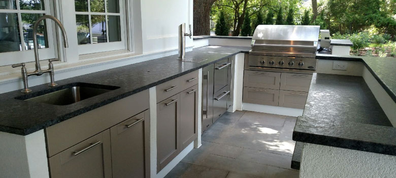 Outdoor kitchens add ambience to your backyard patio. Start the process of having yours designed and built today! Call Pemberton Appliance!
